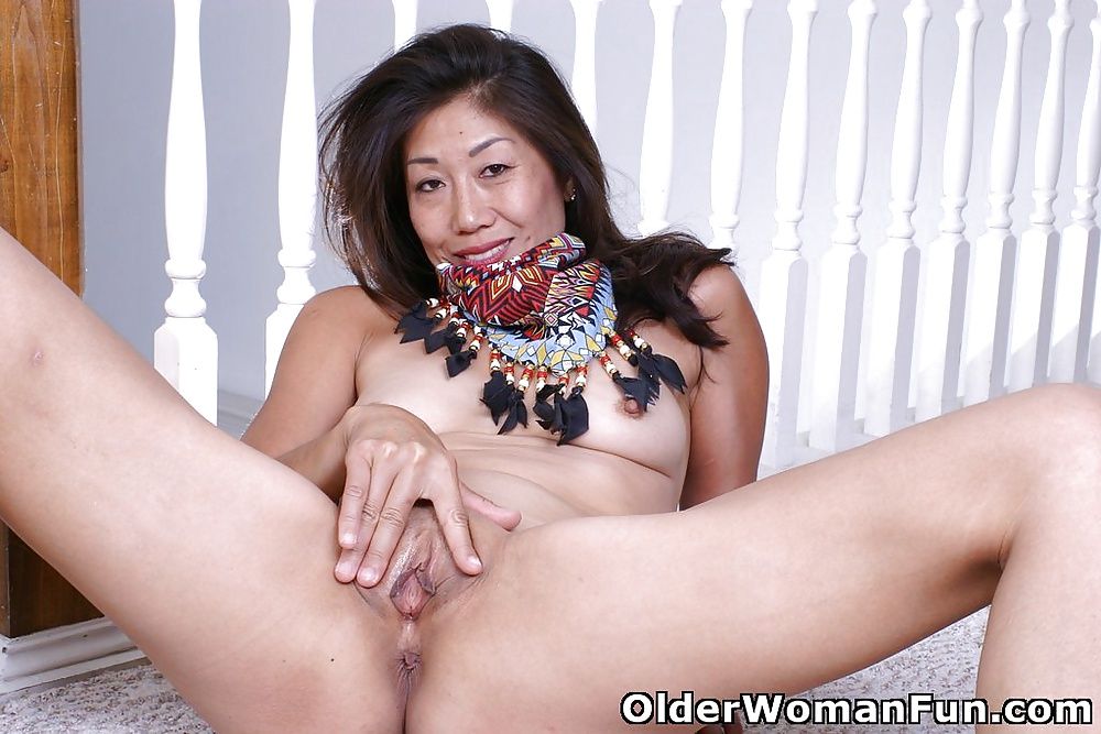 older woman fun pics