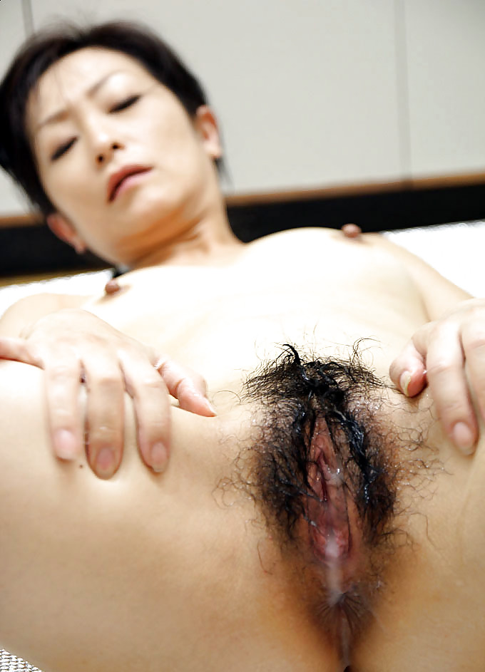 Japanese Milf Riding Creampie