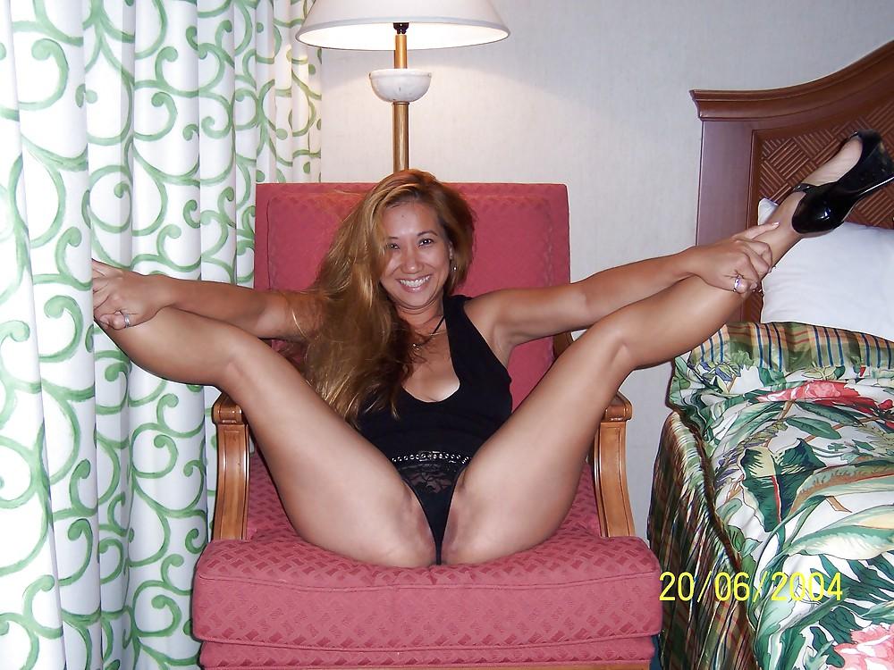 Mature milf ass feet
